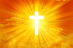 Cielo de Sun y fondo de la cruz Fotografía de archivo libre de regalías
