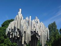 Cielo del árbol de Sibelius Helsinki del monumento Fotos de archivo