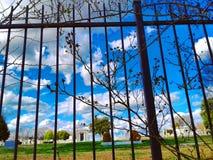 Cielo del cementerio imagen de archivo