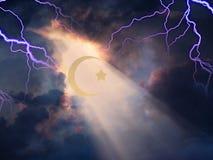 Cielo del relámpago con Cresent islámico ilustración del vector
