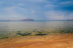 Cielo dell'annuvolamento sopra il Mar Rosso immagini stock