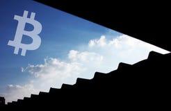 Cielo dell'icona di Bitcoin Cryptocurrency fotografia stock