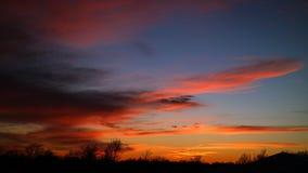 Cielo dell'oro con le nuvole Fotografie Stock