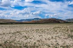 Cielo della montagna del deserto della steppa Immagini Stock