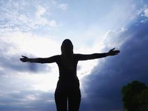 Cielo della siluetta di yoga Fotografia Stock