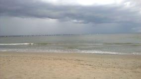 Cielo della tempesta sulla spiaggia Fotografia Stock