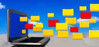 Cielo delle cartelle di archivi del computer portatile del pc del computer - rappresentazione 3d Fotografia Stock