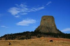 Cielo di Big Blue del monumento nazionale della torre dei diavoli Immagine Stock