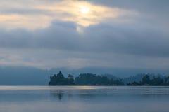 Cielo di mattina in laguna laterale Immagini Stock Libere da Diritti