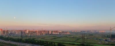 Cielo di mattina sopra il cantiere Fotografie Stock Libere da Diritti