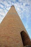 Cielo di raschio della torretta del mattone Fotografie Stock