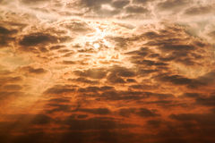 Cielo di Sun con le nuvole Fotografie Stock Libere da Diritti