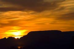 Cielo di tramonto di luce e di ombra sopra Grand Canyon Fotografia Stock