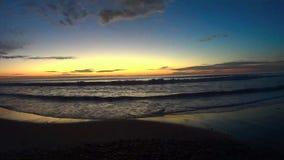 Cielo di tramonto e spiaggia Carlsbad California del mare TL1 Ponto stock footage