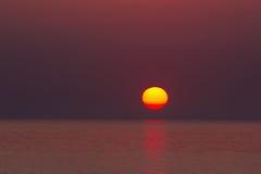 Cielo dramático con el sol Fotografía de archivo libre de regalías