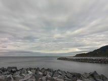 Cielo dramático en la playa europea fotografía de archivo libre de regalías