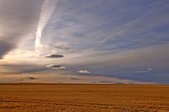 Cielo dramático en los llanos de Montana Imagen de archivo libre de regalías