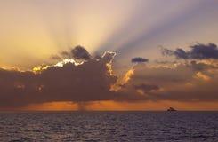 Cielo drammatico - Ari Atoll del sud - le Maldive fotografie stock libere da diritti