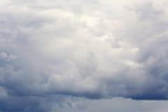 Cielo drammatico con le nubi Fotografia Stock