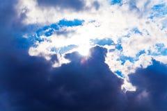 Cielo drammatico variopinto fotografie stock