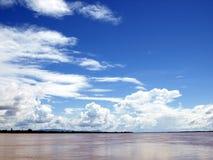 Cielo e fiume Fotografie Stock Libere da Diritti