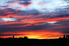 Cielo e nubi di tramonto a Edmonton fotografie stock libere da diritti