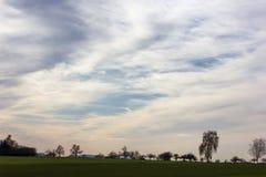 cielo e nuvole del foehn nel mese novembre di autunno Fotografia Stock Libera da Diritti