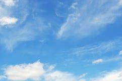 Cielo e sole con le nuvole Fotografia Stock Libera da Diritti
