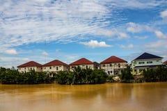 Cielo e un fiume Fotografia Stock