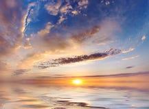 Cielo ed acqua luminosi Immagine Stock Libera da Diritti