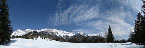 Cielo en invierno en el Tirol/el Tyrol Imagenes de archivo