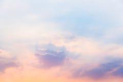 Cielo en puesta del sol fotos de archivo libres de regalías