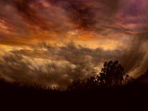 Cielo enojado de la puesta del sol Fotos de archivo libres de regalías