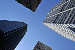 Cielo entre los rascacielos Fotografía de archivo libre de regalías