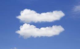 Cielo gemellato della nuvola in chiaro Fotografia Stock Libera da Diritti