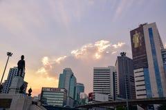 Cielo glorioso sobre el parque de Lumpini en Bangkok foto de archivo libre de regalías