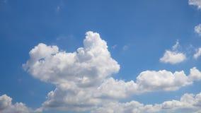 cielo hermoso con la nube Fotos de archivo libres de regalías