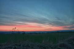 Cielo hermoso después de la puesta del sol. Imagen de archivo