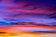 Cielo hermoso en la puesta del sol Imágenes de archivo libres de regalías