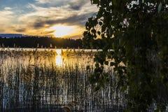 Cielo irreal en la puesta del sol fotos de archivo libres de regalías