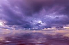 Cielo jugoso de la puesta del sol Imagen de archivo libre de regalías