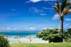 Cielo, mar y calor Imagen de archivo libre de regalías
