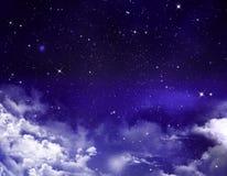 Cielo nocturno con las estrellas Foto de archivo
