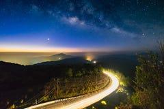 Cielo nocturno del paisaje fotos de archivo libres de regalías