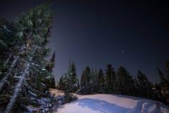 Cielo nocturno hermoso en Siberia Fotos de archivo libres de regalías