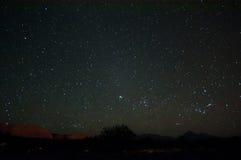 Cielo nocturno sobre el desierto de Atacama Foto de archivo