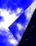 Cielo nocturno y día asoleado Imagenes de archivo