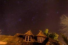 Cielo notturno e stella piacevole immagini stock libere da diritti
