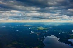 Cielo, nubes y río Imagen de archivo libre de regalías