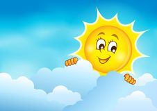 Cielo nublado con el sol que está al acecho 5 Fotos de archivo